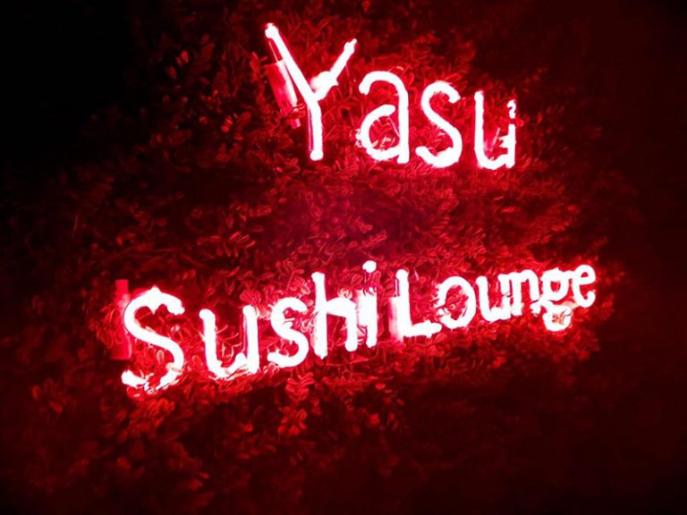 - Luminosos – Yasu Sushi Lounge