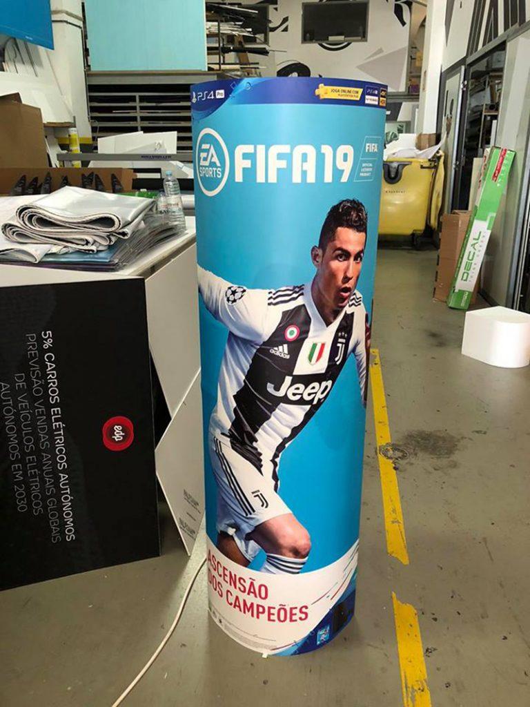 - Ponto de Venda – FIFA – CR7 – Bandai