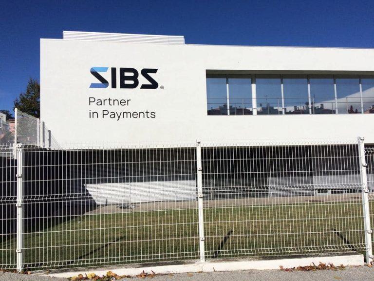 Projectos em CNC - Fachada SIBS