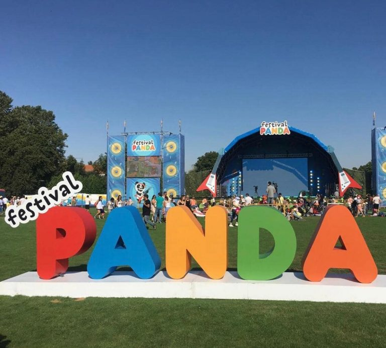 - Festival do Panda – Letras em compósito de aluminio